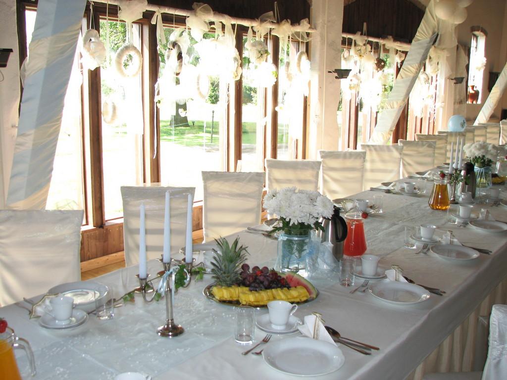 Stół w słońcu