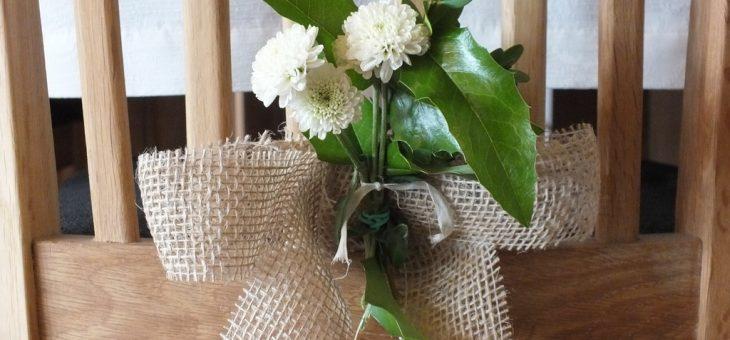 Wiadra kwiatów, juta i pieńki