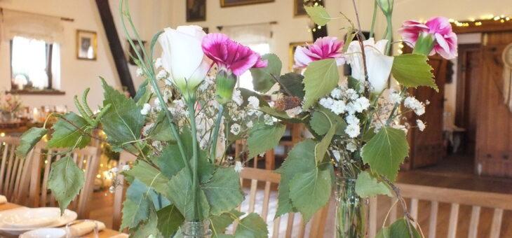 Goździki i róże